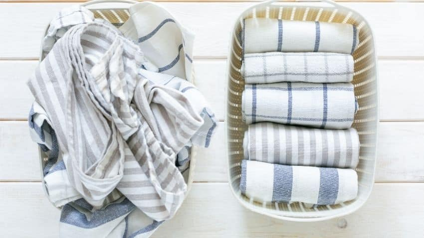 TO DECLUTTER YOUR LINEN'S CLOSET PULL EVERYTHING OUT, FOLD THE LINENS NEATLY, AND ORGANIZE THEM BY CATEGORIES.